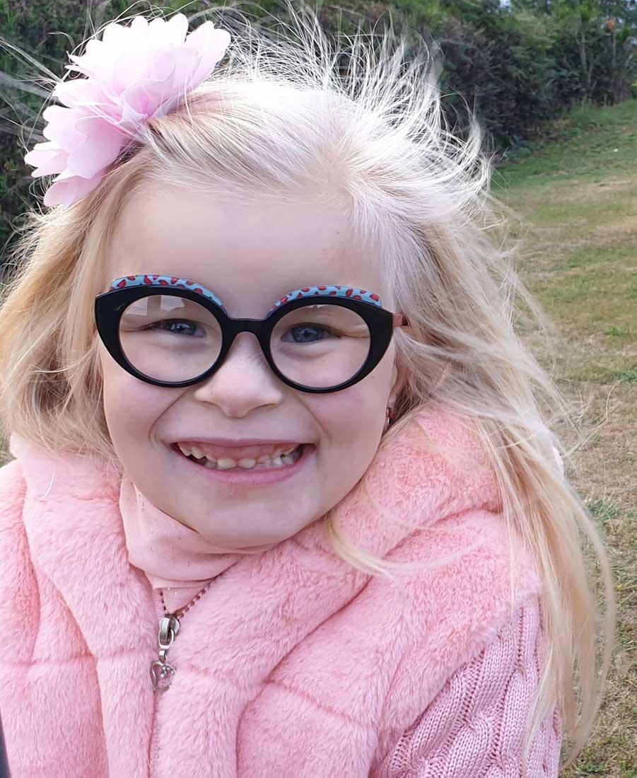 Emmy - Petite fille polyhandicapée